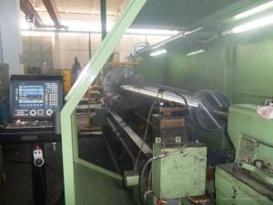 Sgrossatura albero alternatore centrale idroelettrica da forgiato in acciaio da bonifica