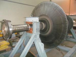 Costruzione stalli in carpenteria metallica per magazzinaggio e trasporto rotori turbina vapore con certificazione CE